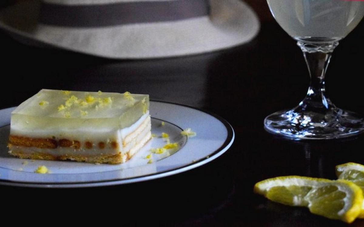 γλυκό ψυγείου λεμόνι